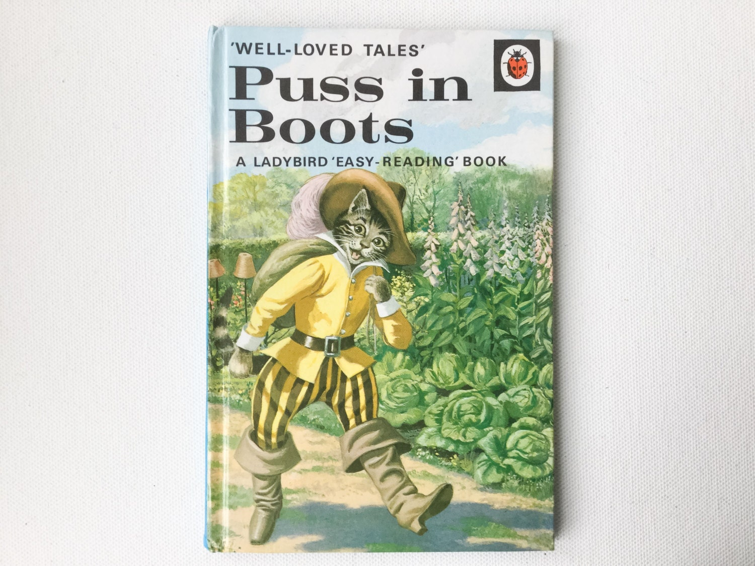 puss in boots book review
